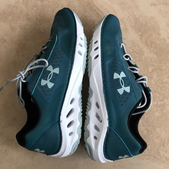 Under Armour women s Drainster Water shoe d027923dd